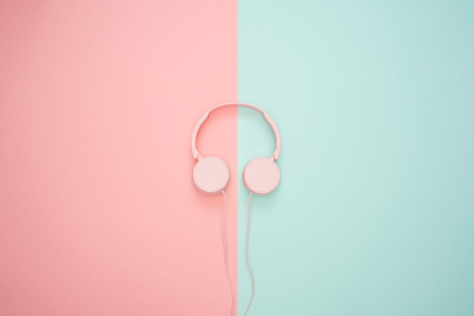 headphones-3435888_960_720
